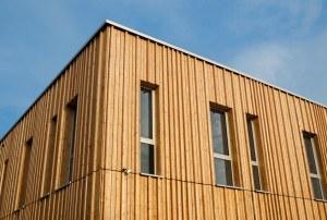 Holzhaus mit Holzfassade Modern House with wooden Facade