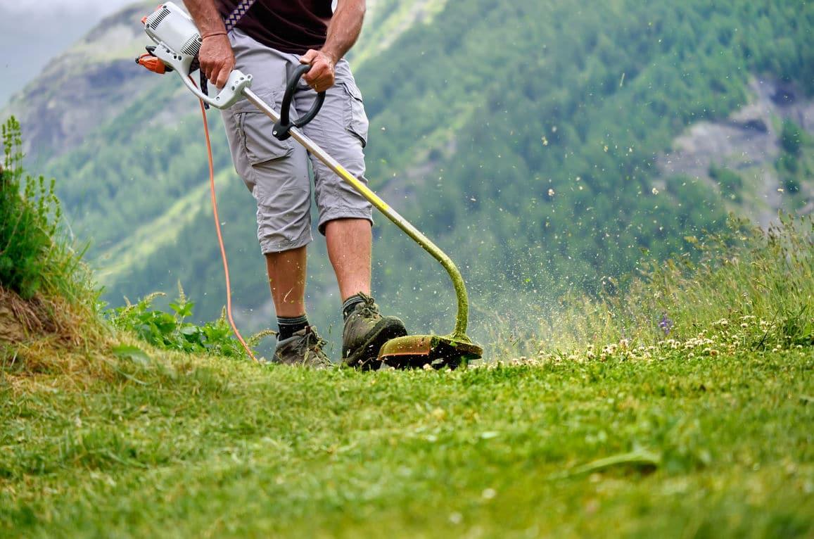 débroussaillage en montagne jardinage