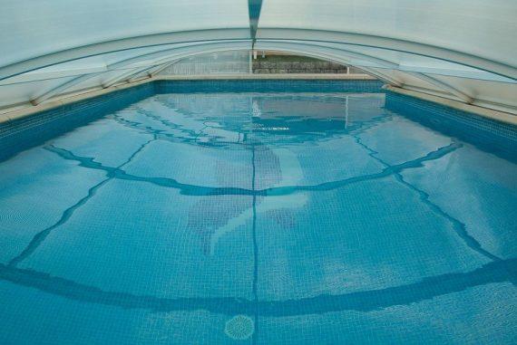 piscine creuse coque